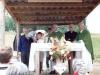 1993 m. Šv. Mišios prie kryžiaus. Koncelebruoja kun. Stanislovas Šileika SDB, kun. Pranas Gavėnas SDB, kun. Zenonas Navickas; su mikrofonu - kun.  Izydor Sadowski SDB
