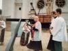 1997 m. liepos 20 d. kun. Petras Dumbliauskas SDB šventina varpinės kryžių