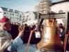 1998 m. sausio 31 d. Vysk. Juozas Tunaitis šventina bažnyčios varpą