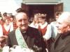 1996 m. rugpjūčio 12 d. Šventinamas bažnyčios kertinis akmuo. Iš kaires: vyriausiasis rektorius kun. Edmundo Vecchi SDB, kun. Mečislovas Burba SDB