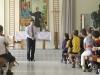 Ministras ir vaikai be jokių formalumų vieni kitiems uždavinėjo klausimus