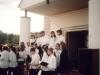 1999 m. Parapijos šventė. Ruošiasi giedoti jaunimo choras