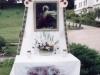 2000 m. Švč. Kristaus Kūno ir Kraujo altorius prie kryžiaus